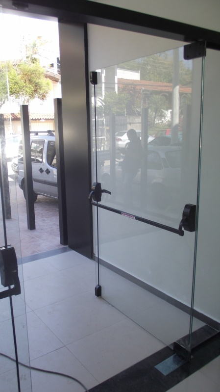 Orçamento de Porta de Vidro Temperado de Abrir Indaiatuba - Espelho de Vidro Temperado