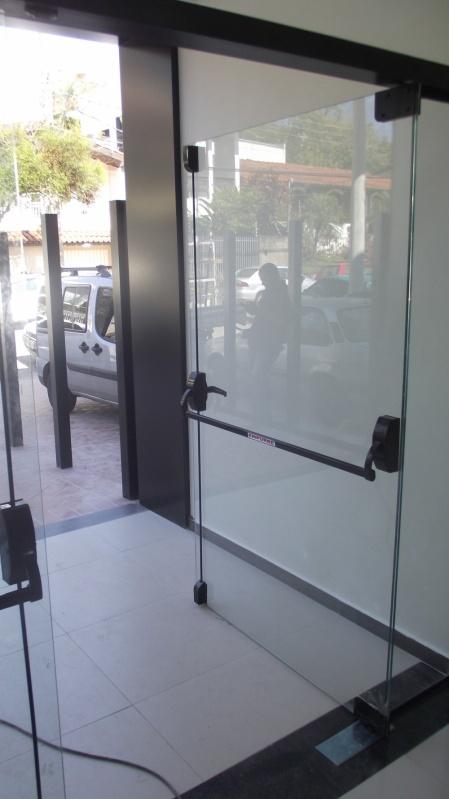 Porta de Vidro Temperado de Abrir Preço Salto de Pirapora - Vidro Temperado Laminado
